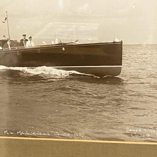Pair of 1950s Framed Photographs of Motor Boats by Beken and Son image-3