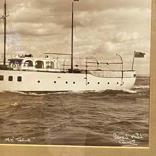 Pair of 1950s Framed Photographs of Motor Boats by Beken and Son image-6
