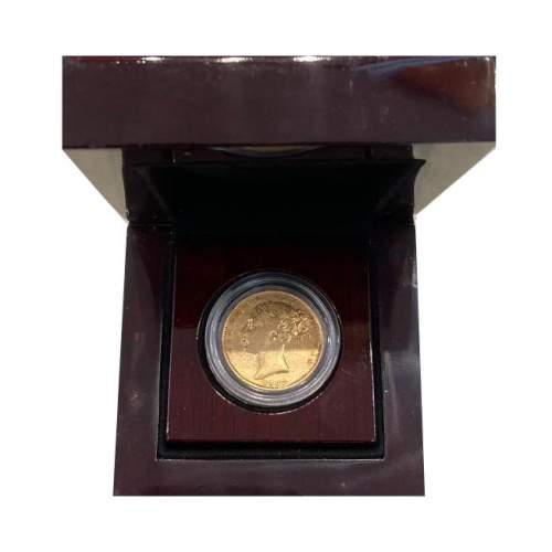 1862 Gold Sovereign image-1