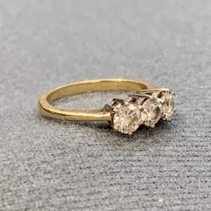 Vintage 18ct Gold Diamond Three Stone Ring