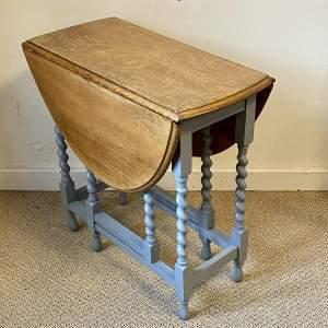 20th Century Light Oak Gateleg Dining Table