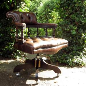 Chesterfield Brown Hide Norwegian Buttoned Leather Captains Chair