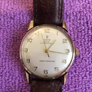 Tudor Royal 9ct Gold Manual Gents Wrist Watch Circa 1973