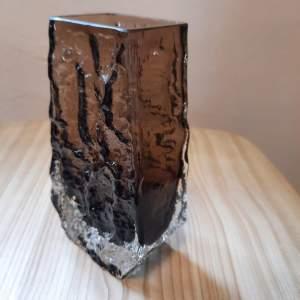 Whitefriars Cinnamon Glass Coffin Vase by Geoffrey Baxter