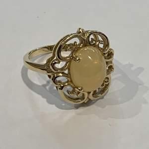 Mid 20th Century 9ct Yellow Gold Ladies Dress Ring