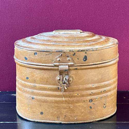 Vintage Toleware Hat Tin with Top Hat image-3