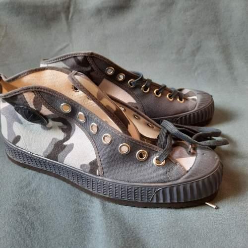 Pair of Belgian Vintage Foempies Rockabilly Sneakers image-5