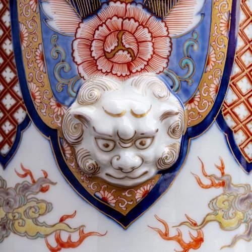 Fabulous Garniture of Three Large Antique Japanese Vases image-4