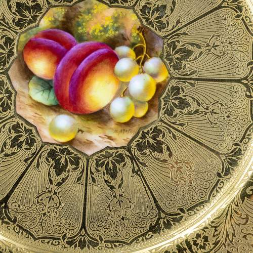 A Richly Gilded Royal Worcester Cabinet Plate image-3