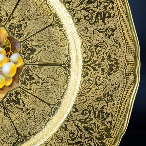 A Richly Gilded Royal Worcester Cabinet Plate image-4