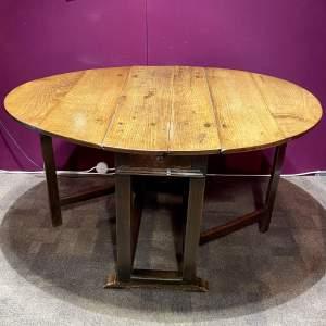 17th Century Oak Gateleg Dining Table