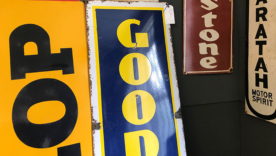 A Collector S Guide To Antique Signs